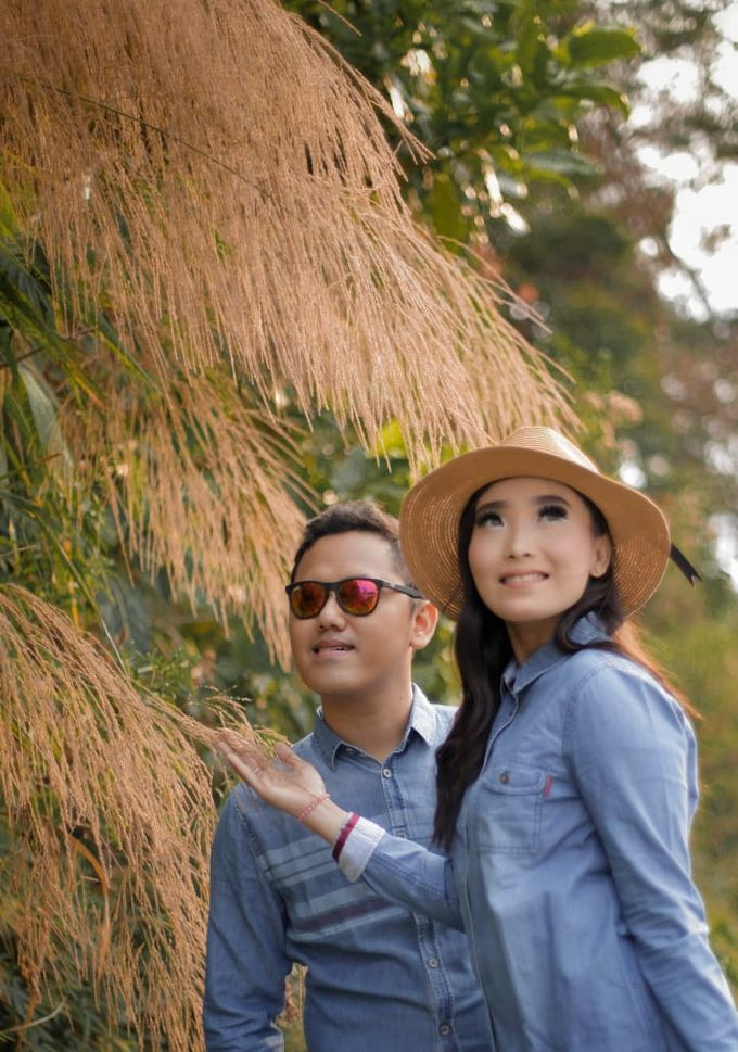 Prewedding Outdoor Iqbal & Eva by PANORAMA PHOTOGRAPHY - 005