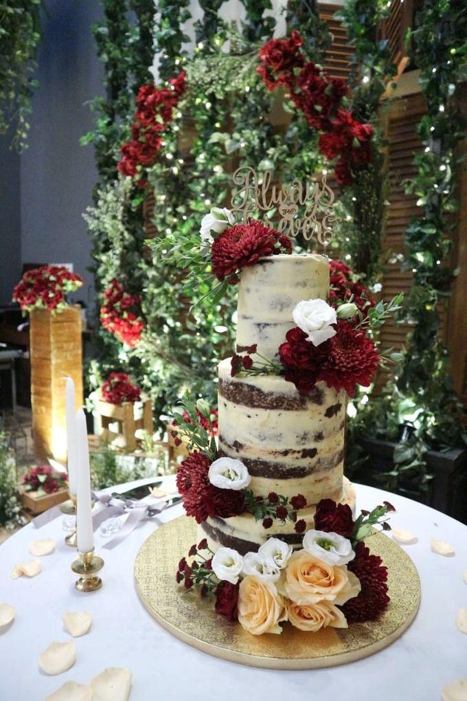 Burgundy Rustic Wedding Cake By Ame Cakery Bridestory Com
