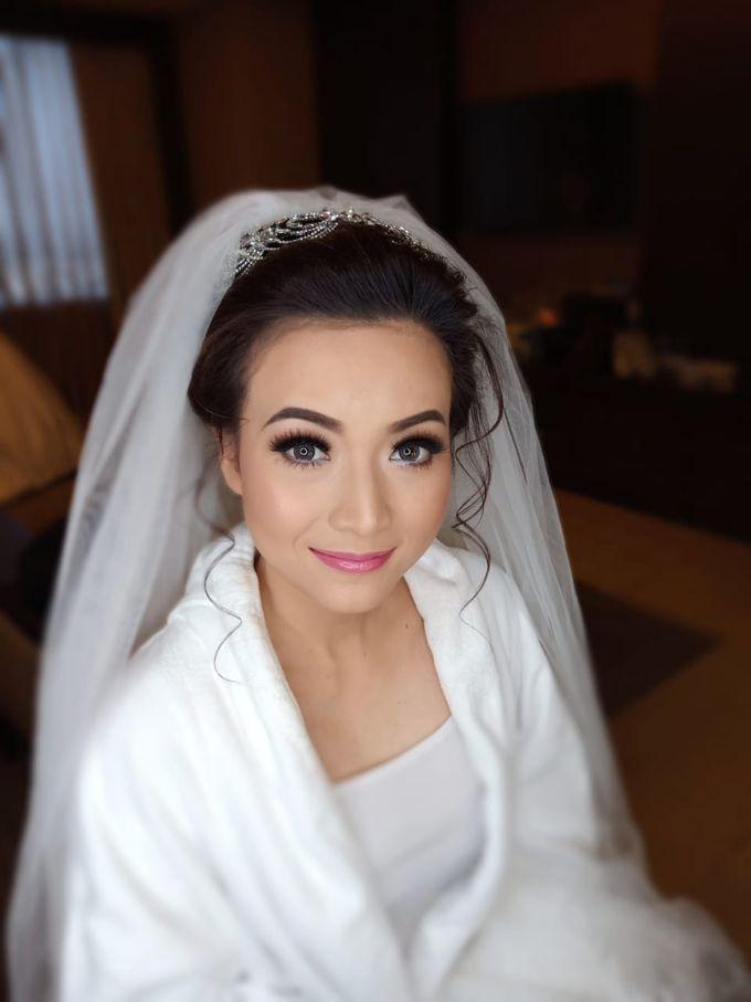 Dian's Wedding Makeup & Dress By Oscar Daniel by Oscar Daniel - 005