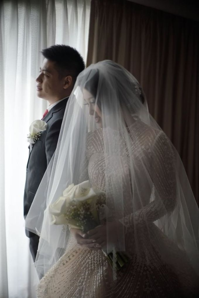 wedding of Putri and Dimas by Vivi Valencia - 004