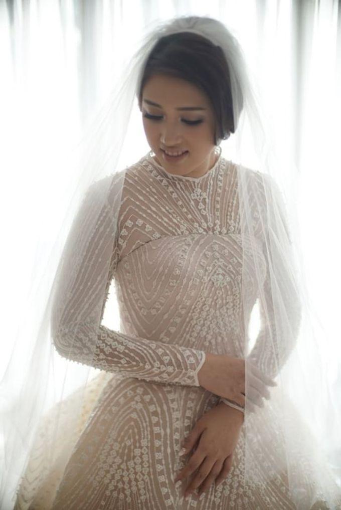 wedding of Putri and Dimas by Vivi Valencia - 002