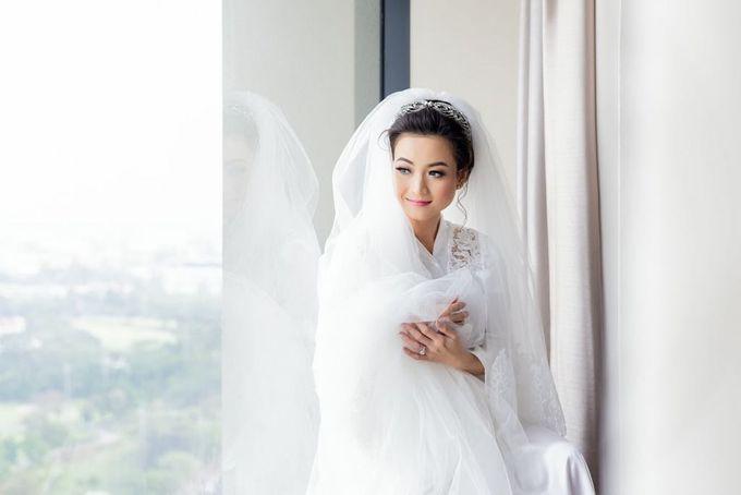 Dian's Wedding Makeup & Dress By Oscar Daniel by Oscar Daniel - 003