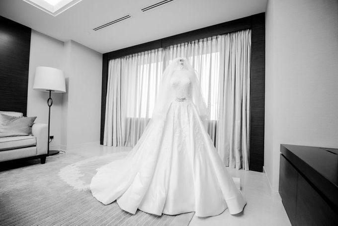 Dian's Wedding Makeup & Dress By Oscar Daniel by Oscar Daniel - 001