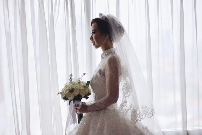 Mega's Wedding Makeup by Oscar Daniel - 001
