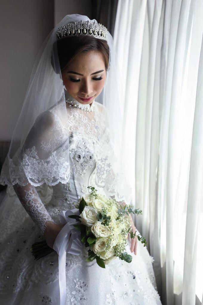 Mega's Wedding Makeup by Oscar Daniel - 002