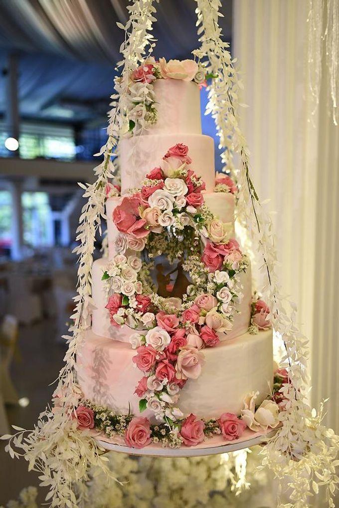 Hanging Cake... by Sugaria cake - 010