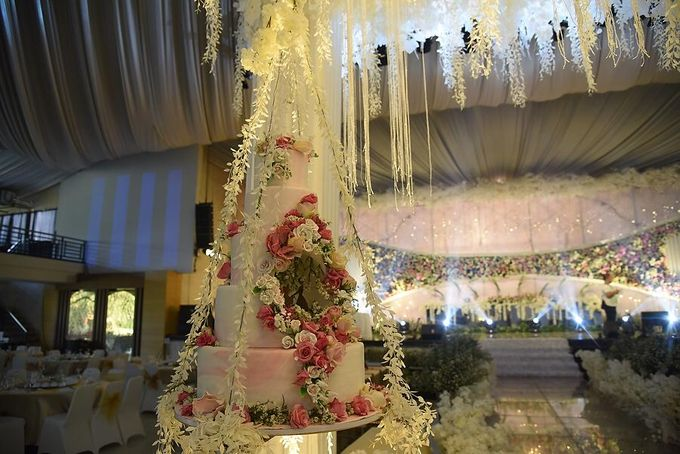Hanging Cake... by Sugaria cake - 009