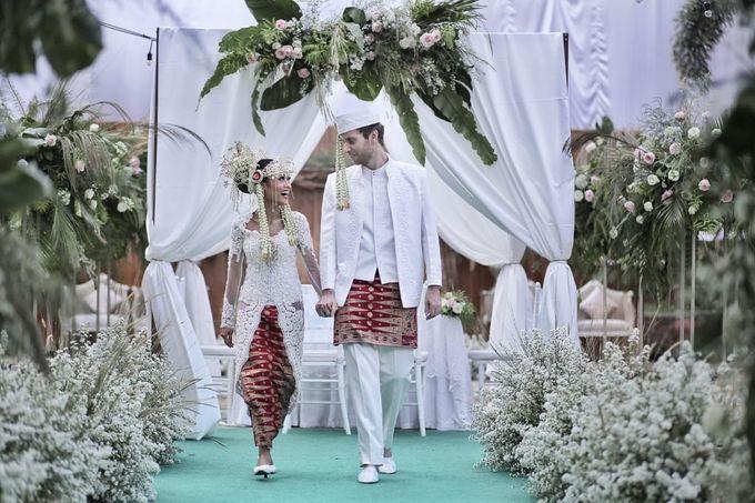 13.10.18 - The Wedding Of Putri & Bas by Sugarbee Wedding Organizer - 005