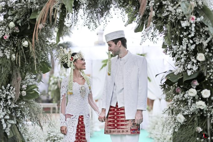 13.10.18 - The Wedding Of Putri & Bas by Sugarbee Wedding Organizer - 009