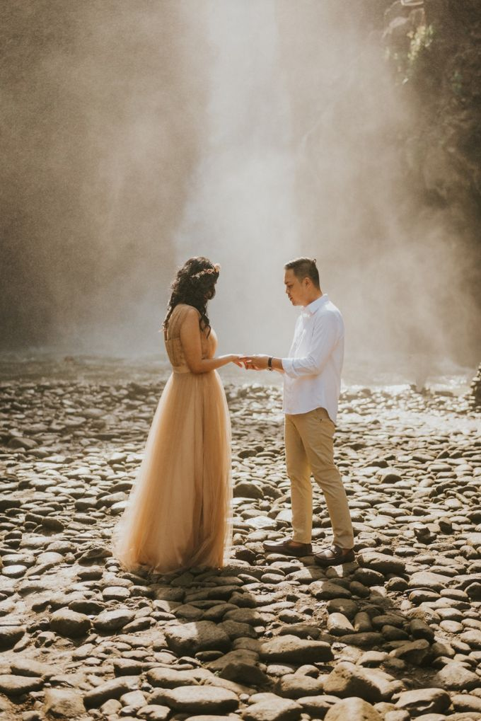 Neeta & Steven Engagement by MOZZO - 001