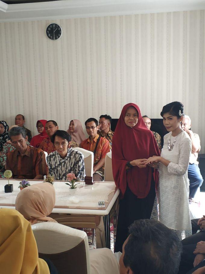 Gerhantari & Gilang Engagement by Bestival Wedding Planner & Organizer - 007