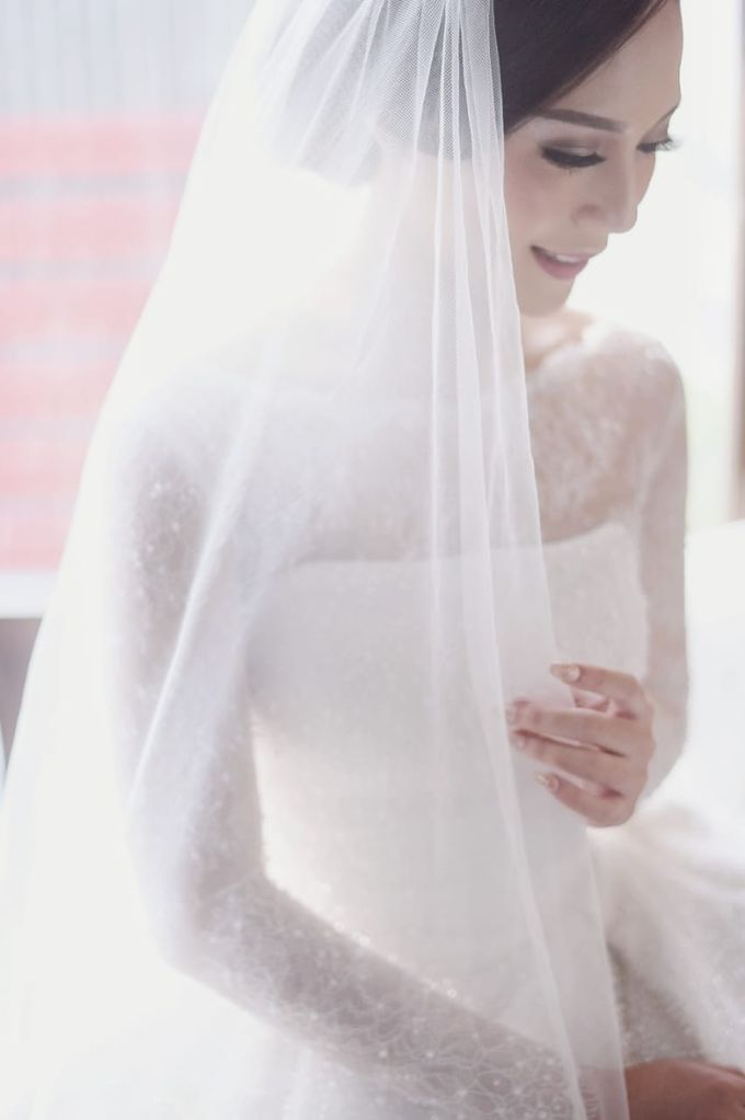 Clifford Gladys by Luminous Bridal Boutique - 011