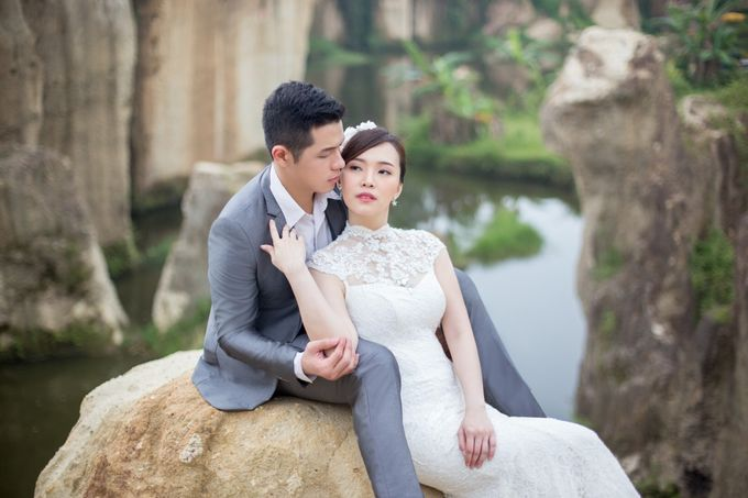 The Prewedding Of Enrico Crystalline by King Foto & Bridal Image Wedding - 004