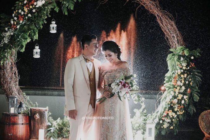 Ardina Rasti & Arie Dwi Andhika Perfect Outdoor Wedding by Thepotomoto Photography - 003