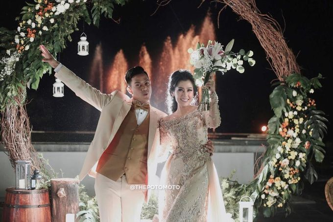 Ardina Rasti & Arie Dwi Andhika Perfect Outdoor Wedding by Thepotomoto Photography - 004