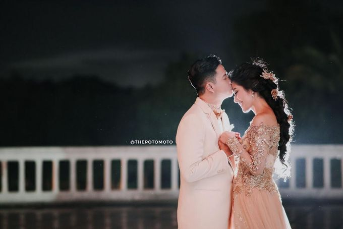 Ardina Rasti & Arie Dwi Andhika Perfect Outdoor Wedding by Thepotomoto Photography - 006