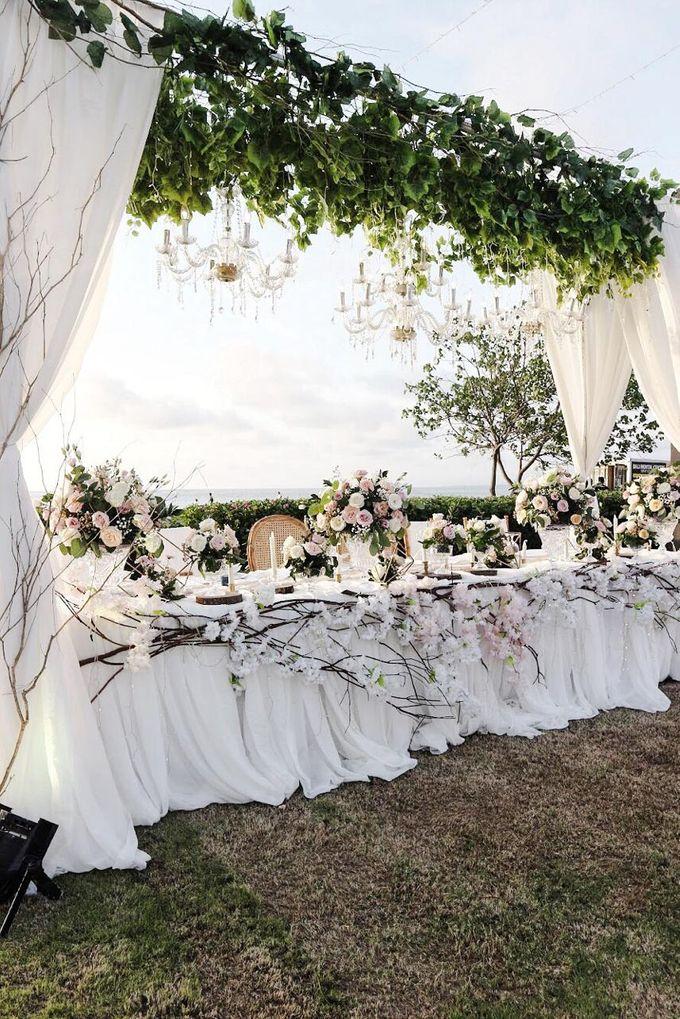 William & Evelin Wedding by Holiday Inn Resort Baruna Bali - 005