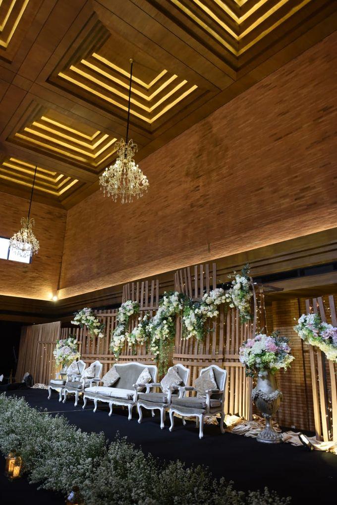 DIMAS & PUTRI WEDDING by United Grand Hall - 033