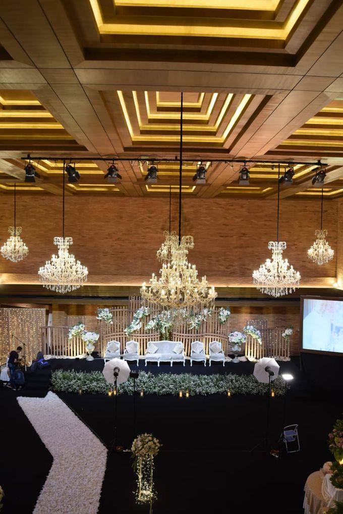 DIMAS & PUTRI WEDDING by United Grand Hall - 034
