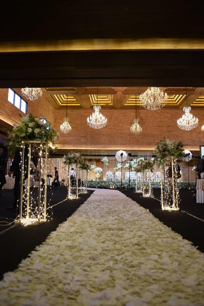 DIMAS & PUTRI WEDDING by United Grand Hall - 035