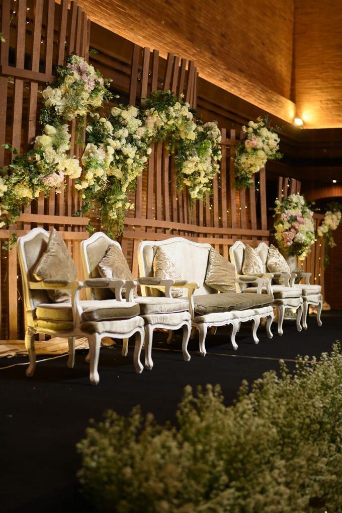 DIMAS & PUTRI WEDDING by United Grand Hall - 040