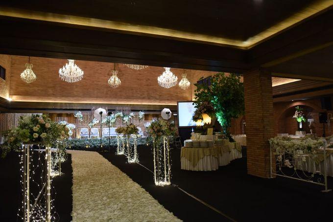 DIMAS & PUTRI WEDDING by United Grand Hall - 043