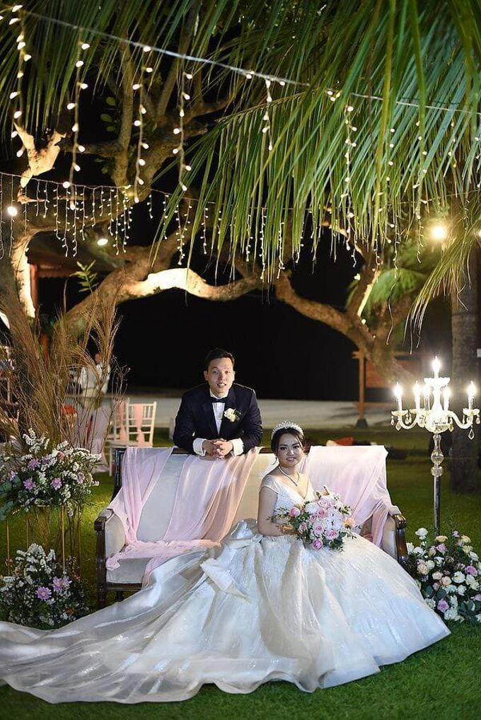 Ivan & Fiona Wedding at Nusa Dua Bali by Catalina Flora - 009