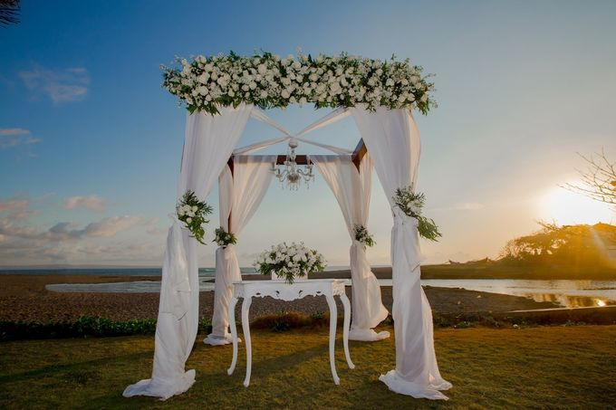 Beach Blessing Ceremony by Honey Wedding & Event Bali - 015