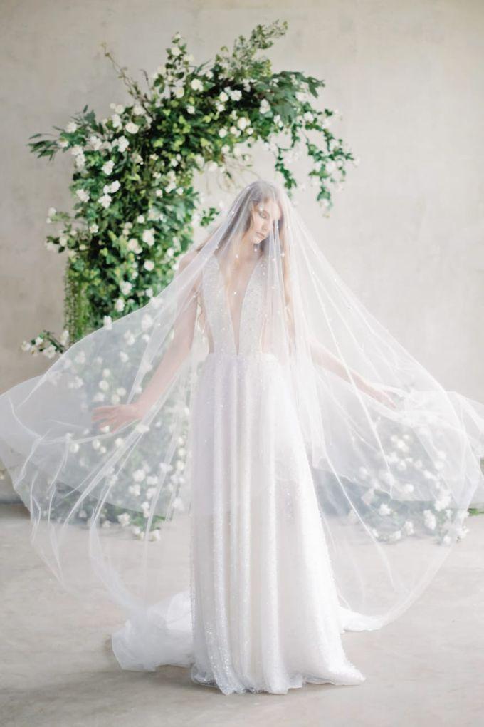 wedding dress by Vivi Valencia - 009