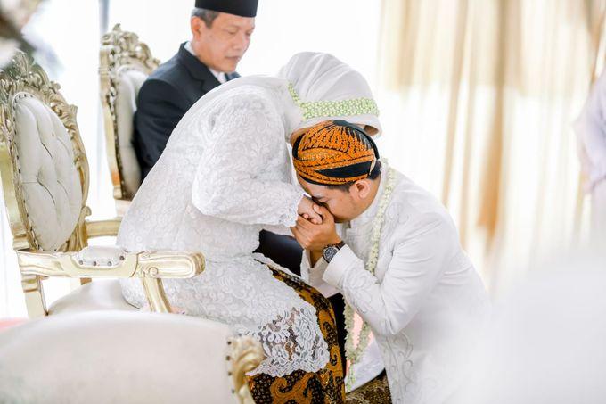 The Wedding Of Tommy & Intan by LAKSMI - Kebaya Muslimah & Islamic Bride - 004