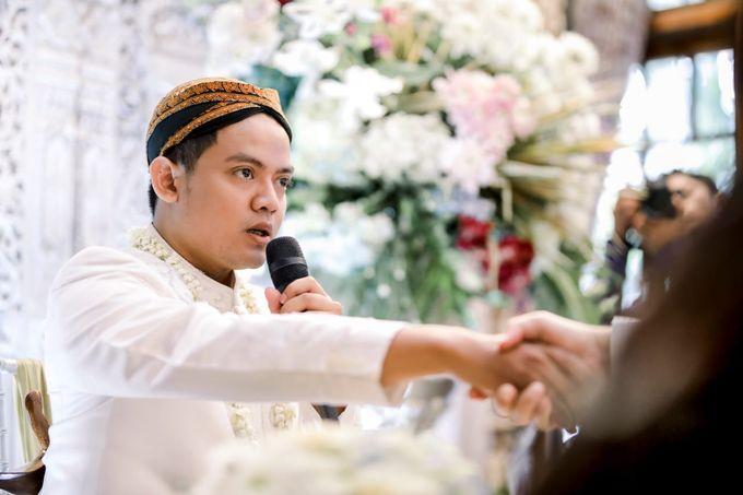 The Wedding Of Tommy & Intan by LAKSMI - Kebaya Muslimah & Islamic Bride - 012