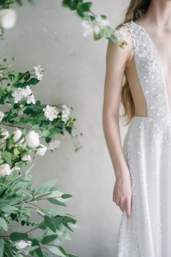 wedding dress by Vivi Valencia - 002