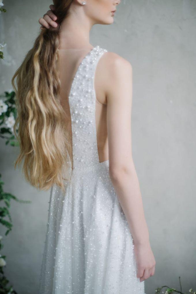 wedding dress by Vivi Valencia - 005
