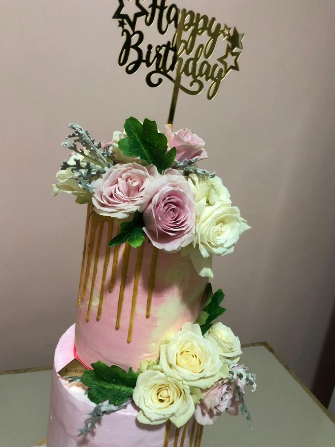 Tiers Cake by FIOR FIORE Patisserie - 004
