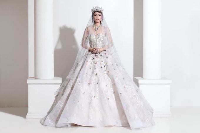 New Collection Gaun & Busana Pengantin by Hengki Kawilarang Couture - 015