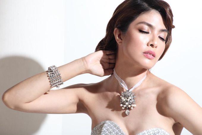 New Collection Gaun & Busana Pengantin by Hengki Kawilarang Couture - 003