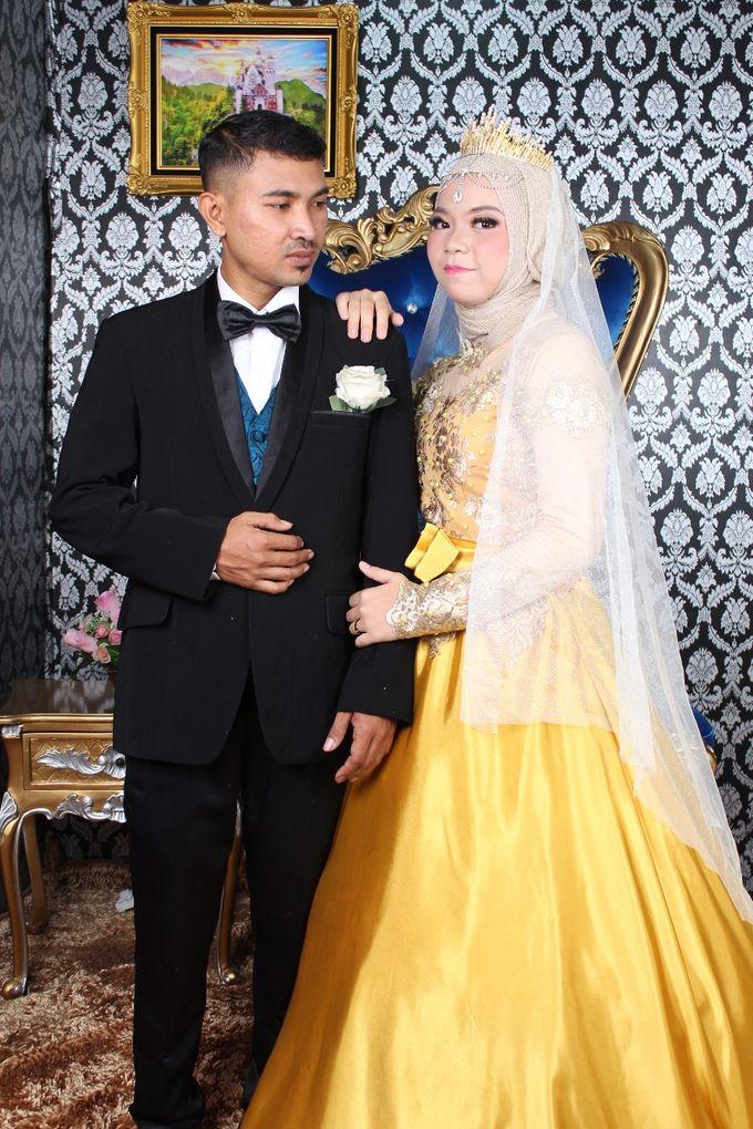 Prewedding Indoor Hijab by AMEY CHAN SALON BRIDAL - 009