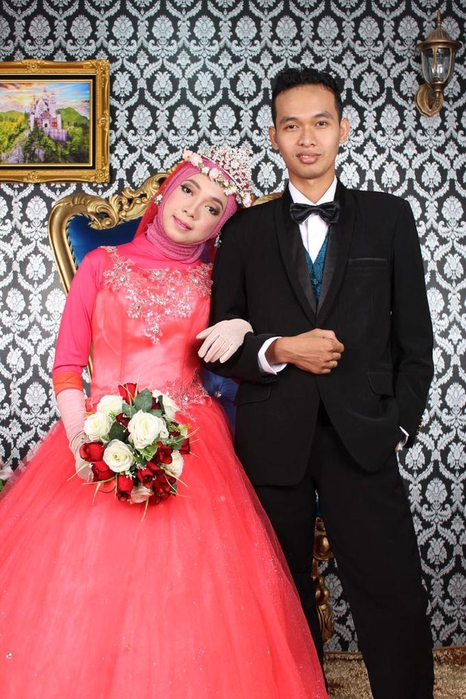 Prewedding Indoor Hijab by AMEY CHAN SALON BRIDAL - 003