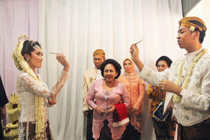 Metha & Avi by The Sasongko wedding planner & organizer - 002
