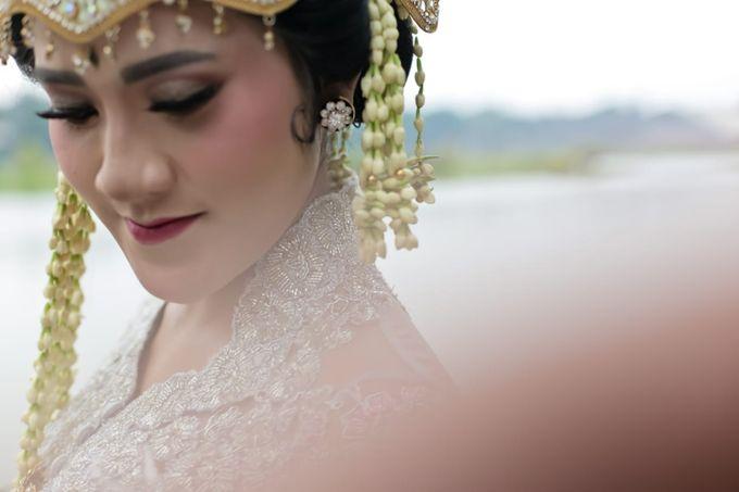 Sunda Siger by Arum Ndalu Sanggar Rias Pengantin - 003