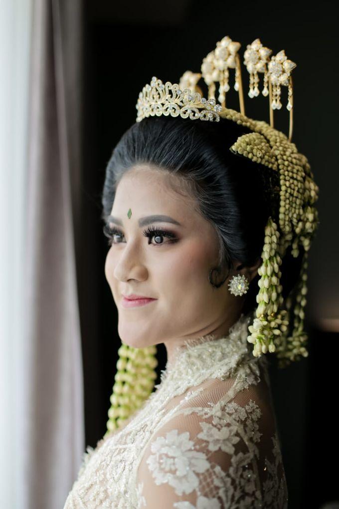Sunda Siger by Arum Ndalu Sanggar Rias Pengantin - 002