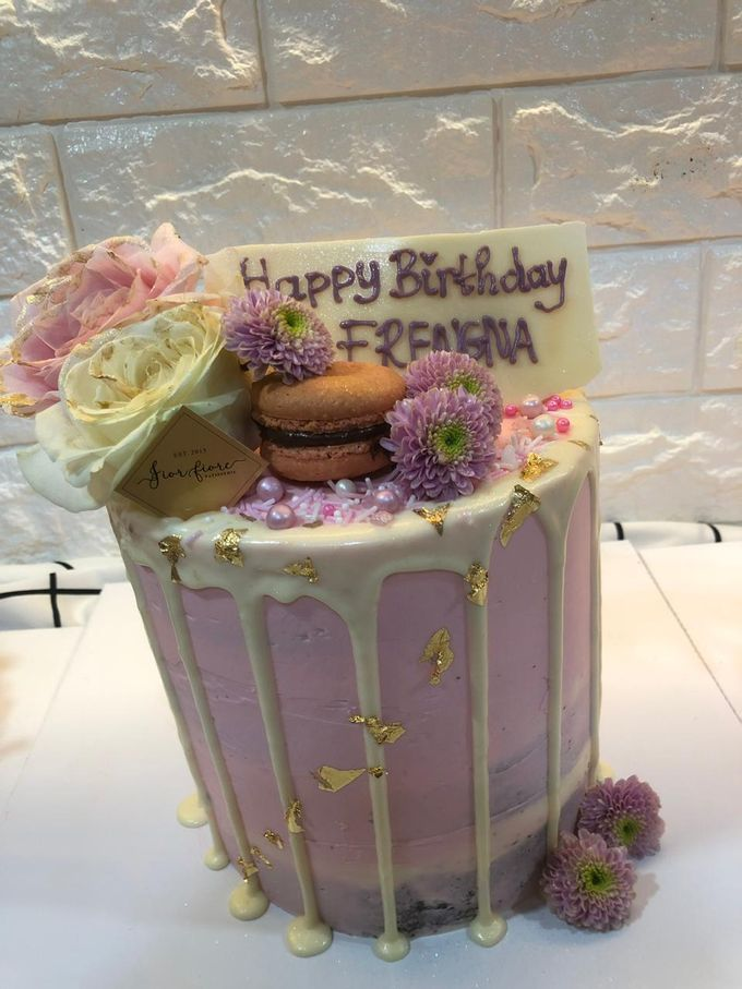 1 Tier Fresh Flowers Cake by FIOR FIORE Patisserie - 001