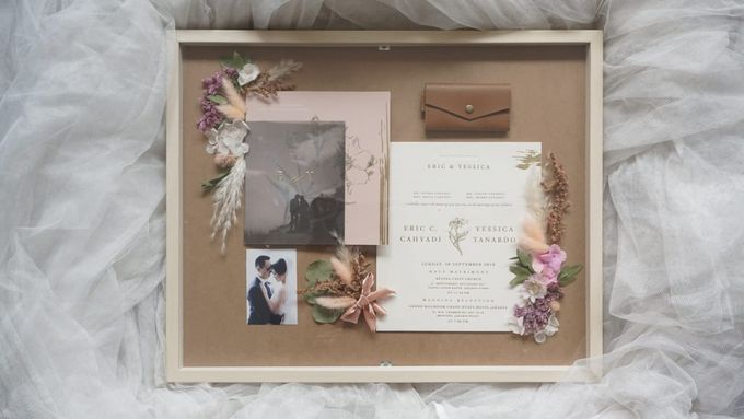 Invitation Memorable Frame (40x50) by Magnolia Dried Flower - 001