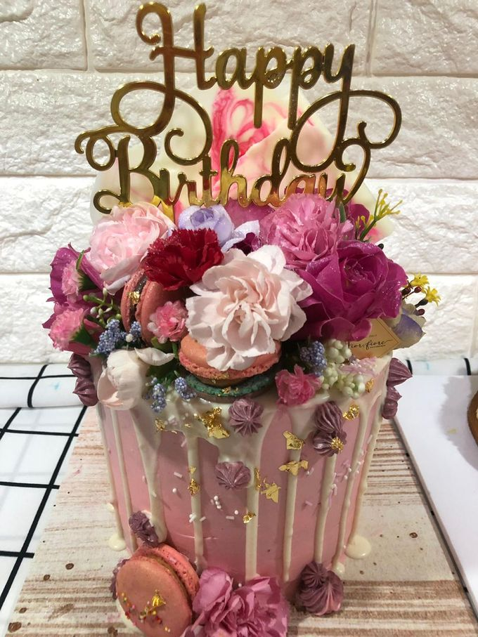 1 Tier Fresh Flowers Cake by FIOR FIORE Patisserie - 003