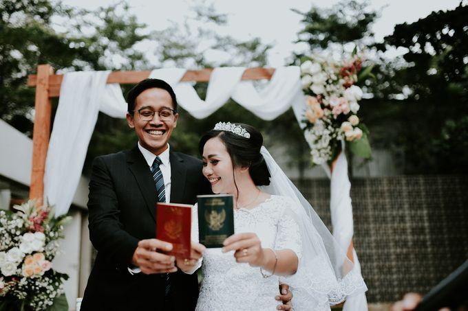 Tri & Rangga's Wedding by akar photography - 011