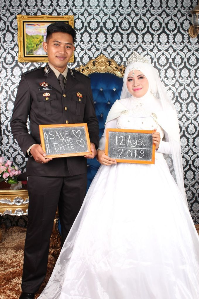 Prewedding Indoor Hijab by AMEY CHAN SALON BRIDAL - 004