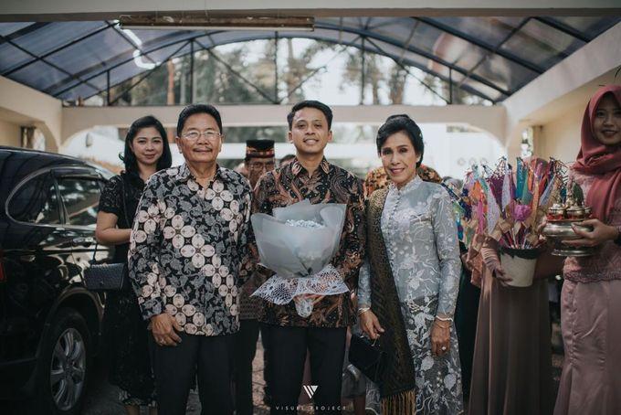 Steffie Putra Engagement by Chandira Wedding Organizer - 002