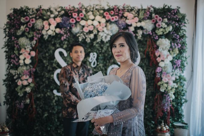 Steffie Putra Engagement by Chandira Wedding Organizer - 005
