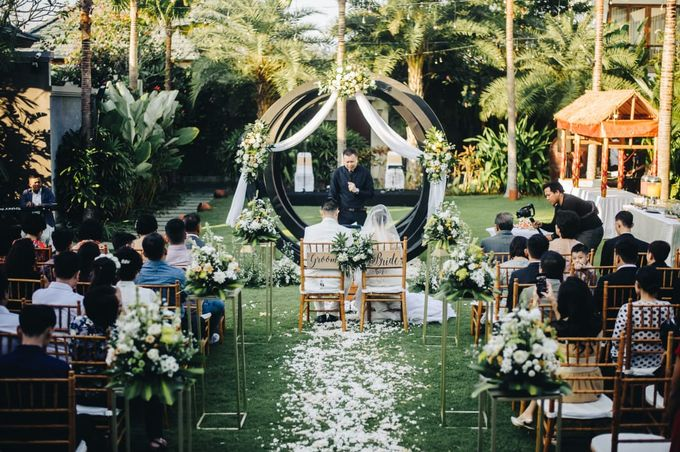 The Wedding of Han & Laura by Miracle Wedding Bali - 005