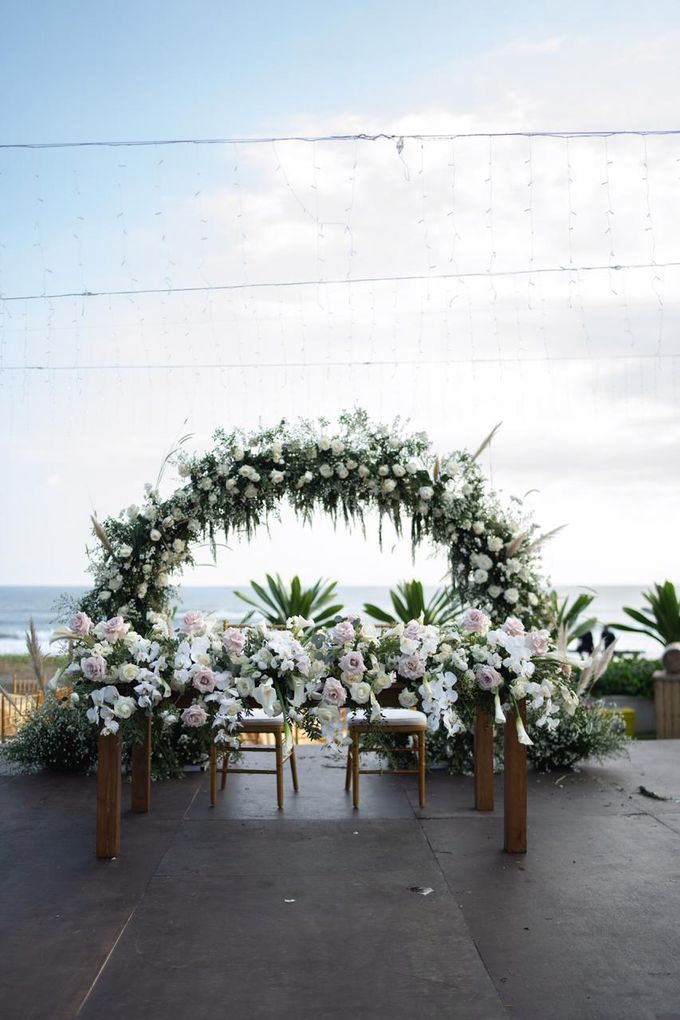 Bagoes & Tara Wedding at Villa Vedas Bali by Catalina Flora - 003